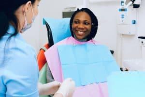 מחירי יישור שיניים בגיל מבוגר